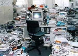 messy_office